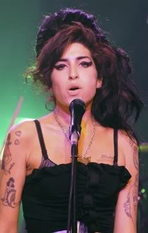 Amy Winehouses London Flat is Robbed (what did she expect?)