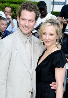 Anne Heche y James Tupper son padres