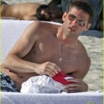 selma blair mikey day beach 19