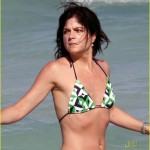 selma blair mikey day beach 22