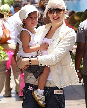 Gwen Stefani de shopping con su hijo Kingston Rossdale