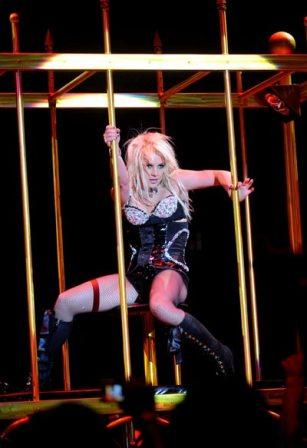 britney-spears-circus