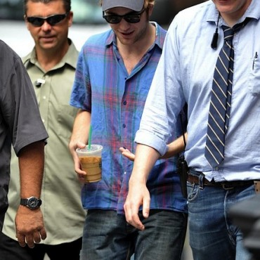 Robert Pattinson continúa filmando Remember Me