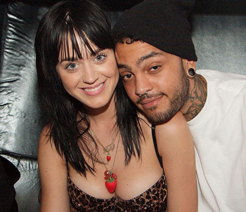 ¿Katy Perry y Travis McCoy comprometidos?